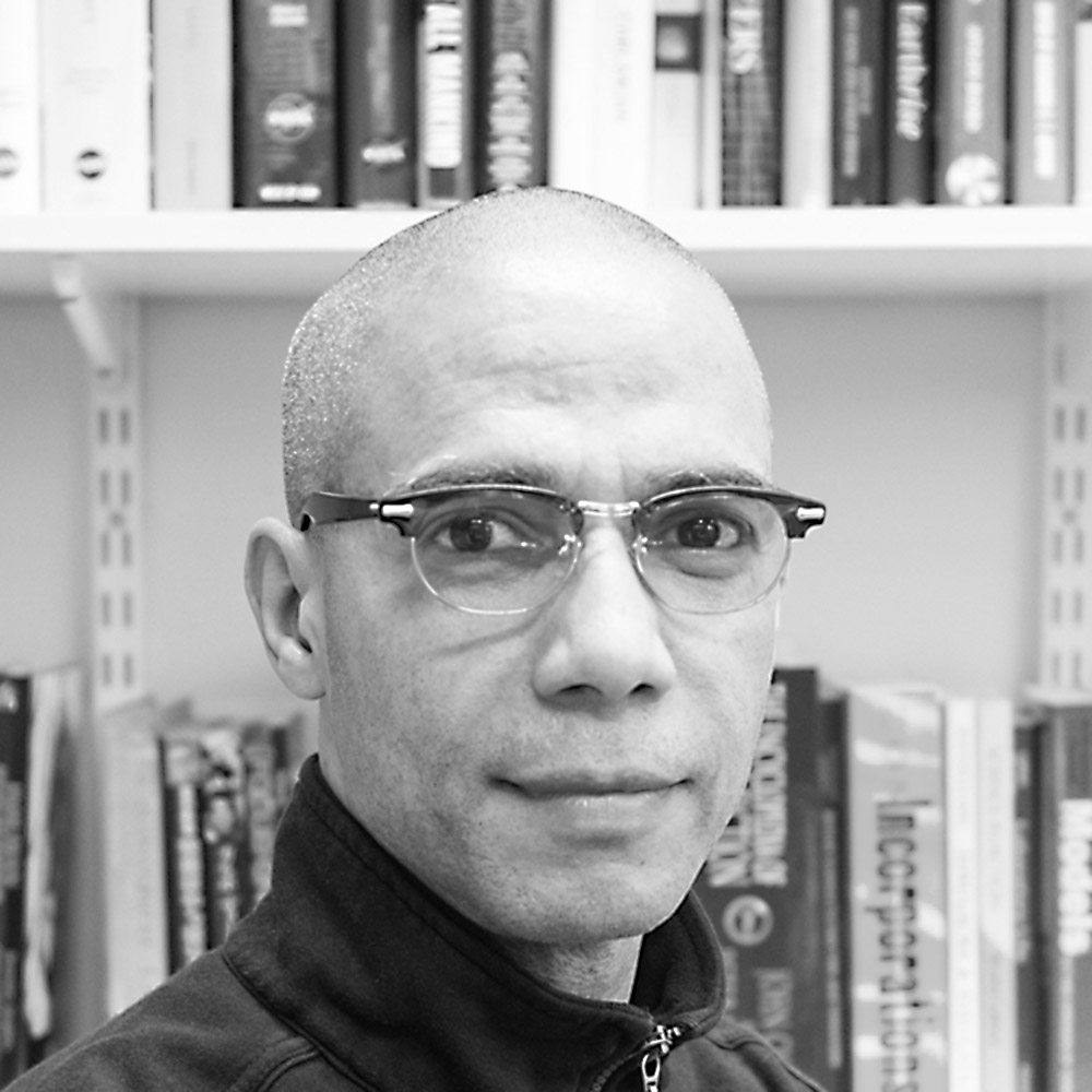 Dr William R. Macauley - Senior Research Associate